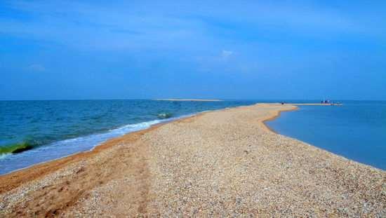Почему с детьми лучше отдыхать на курортах азовского моря