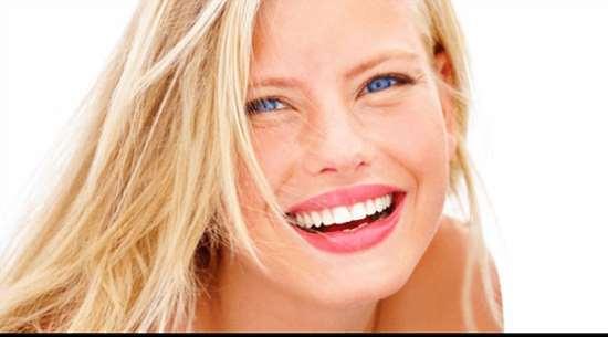 Прекрасная улыбка благодаря винирам в стоматологии Атрибьюти