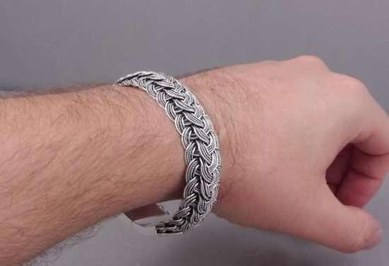 Правила ношения мужских серебряных браслетов