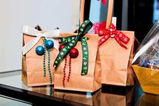 купить новогодние подарки