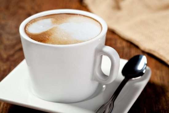 Рецепт приготовления кофе с молоком или сливками