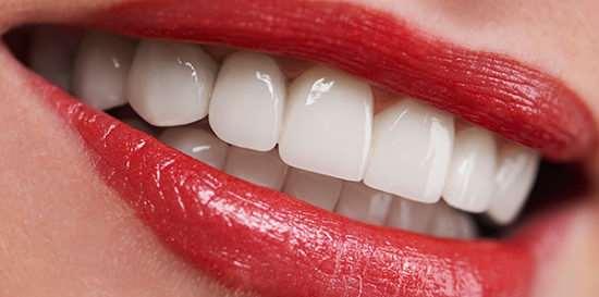 Имплантация зубов – важнейшие преимущества над протезированием