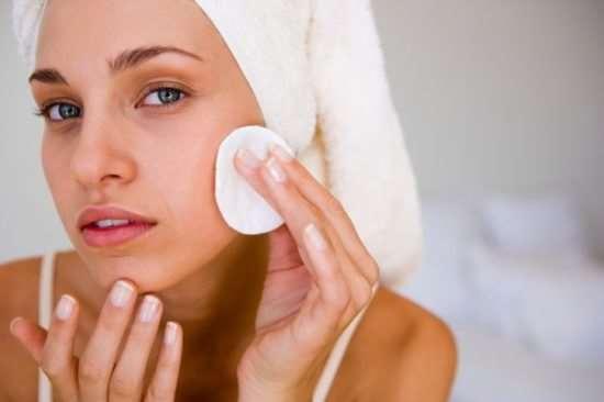 Средства для ухода за жирной кожей лица