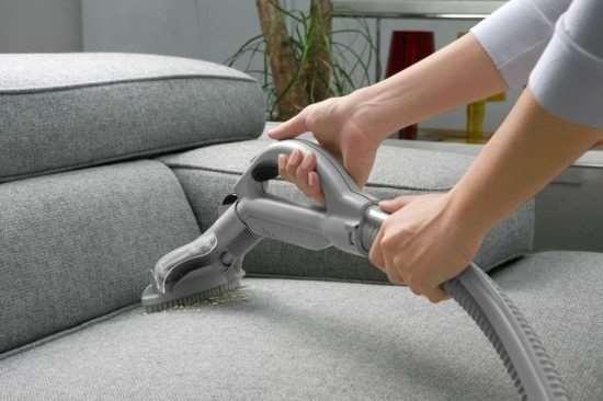 Как почистить мебель в домашних условиях?