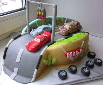 Оригинальный праздничный торт для мальчика