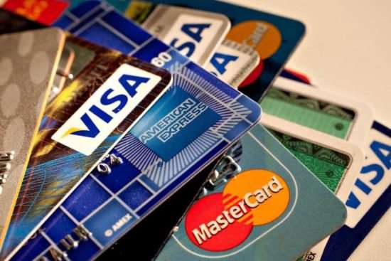 Кредитная карта как универсальный финансовый инструмент
