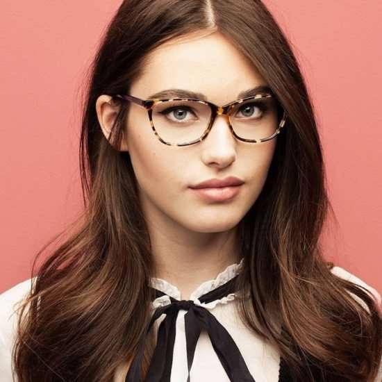 Выбираем очки для зрения: детали и нюансы