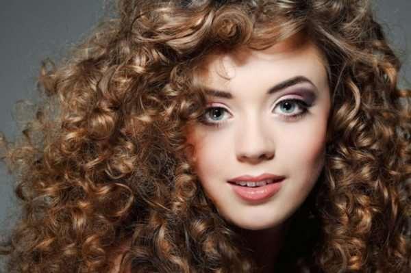 Секреты правильного ухода за вьющимися волосами