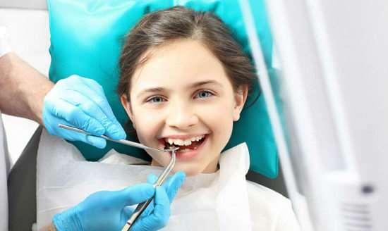 Лечение зубов у детей без капризов и слез