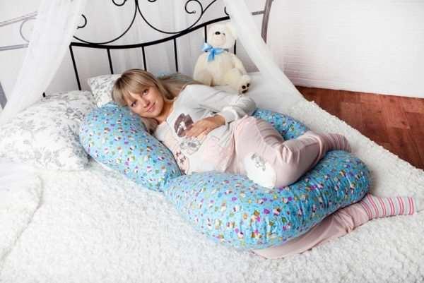 Преимущества применения универсальной подушки для кормления и отдыха