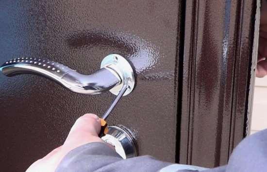 Установка металлической входной двери: как правильно сделать все своими руками?