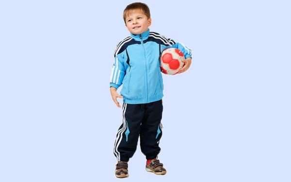 Как выбрать детский спортивный костюм