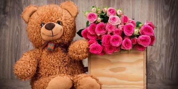 Как выбрать романтический подарок для любимой девушки