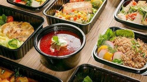 Чем выгодна доставка обедов в офис