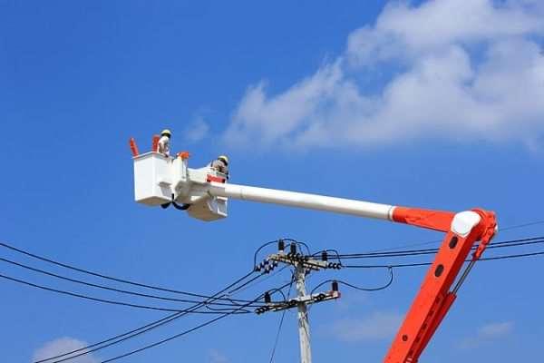 Провести электричество на участок