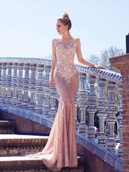 Какие фасоны вечерних платьев будут модными в 2018 году?