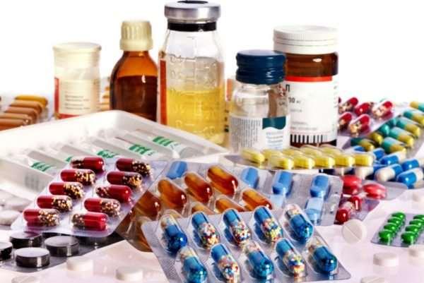 Разнообразные лекарства в широком ассортименте