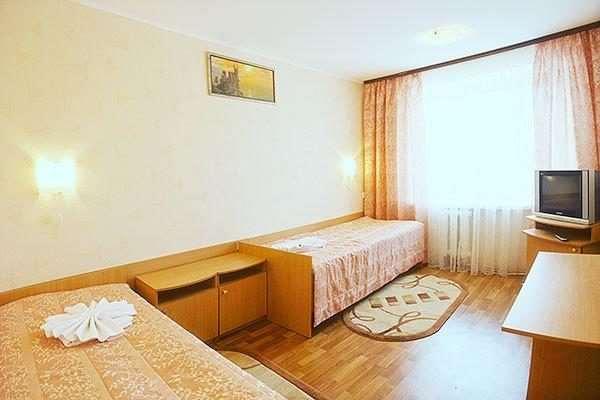 Удобные одноместные номера эконом-класса парк-отеля «Чернигов»