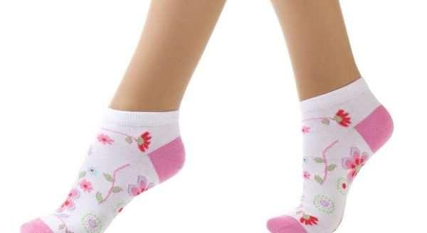 Какими свойствами должны обладать носки для вашей дочурки?