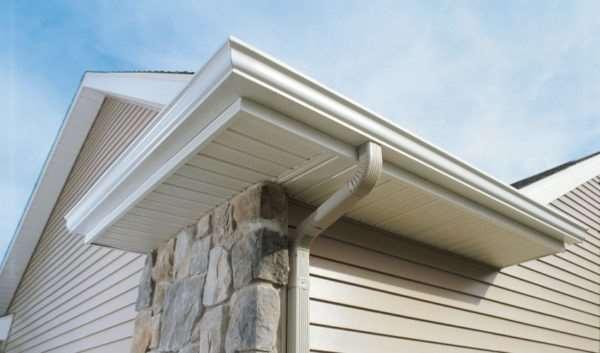 Софиты для крыши – отличный способ украсить свой дом