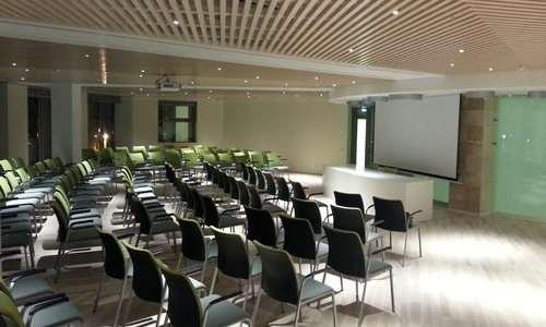 Почему выгодно арендовать конференц-залы в отелях