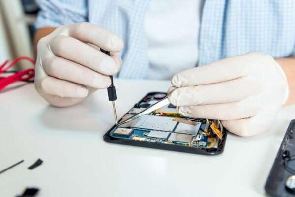Ремонт планшетов, ноутбуков и телефонов – важность профессионального подхода
