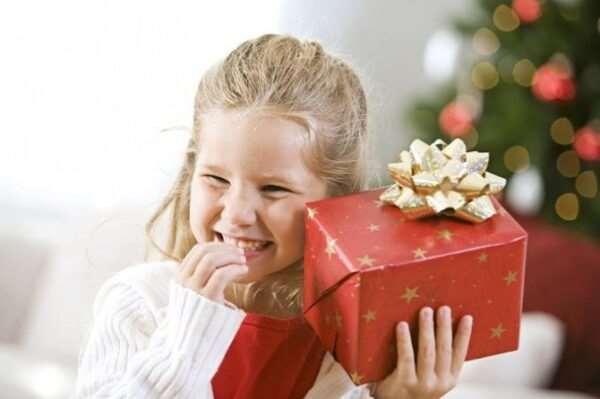 Какую игрушку подарить на день рождения девочке?