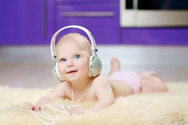 Какая музыка полезна для развития новорожденных