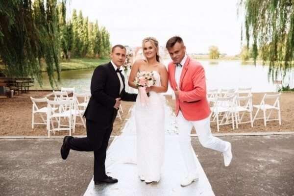 Обязанности и роль ведущего на свадьбе