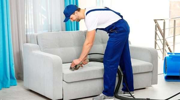 Химчистка дивана — оперативное выведение пятен