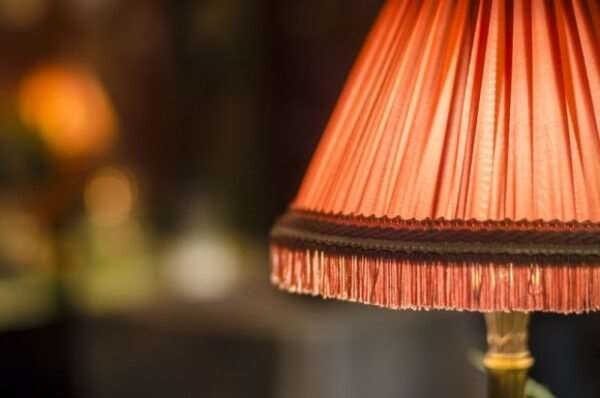 Абажуры для настольных ламп – уют в доме