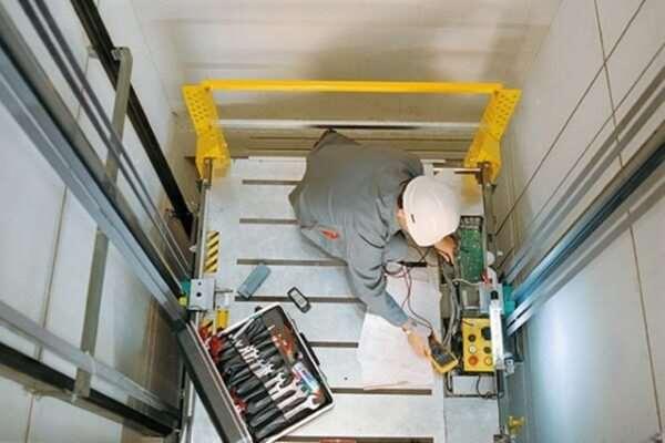 За чей счет проводится ремонт лифта