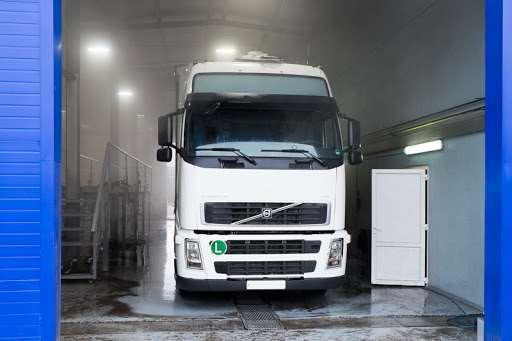Необходимость качественной мойки грузовых автомобилей