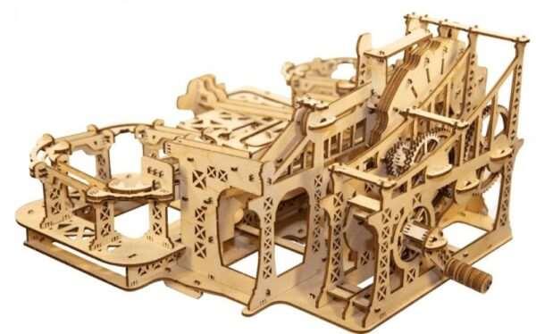 Лучшее и увлекательное развлечение для взрослых - деревянный конструктор