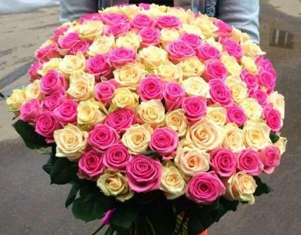 Актуален ли подарок в виде букета цветов?