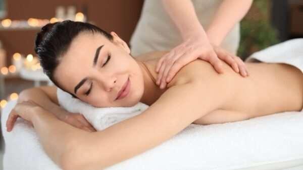 Обучение массажу в центре «Красота и точка»